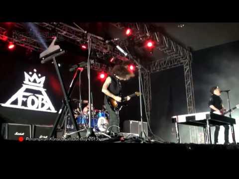 Yuk Nonton Lagi Konser Fall Out Boy