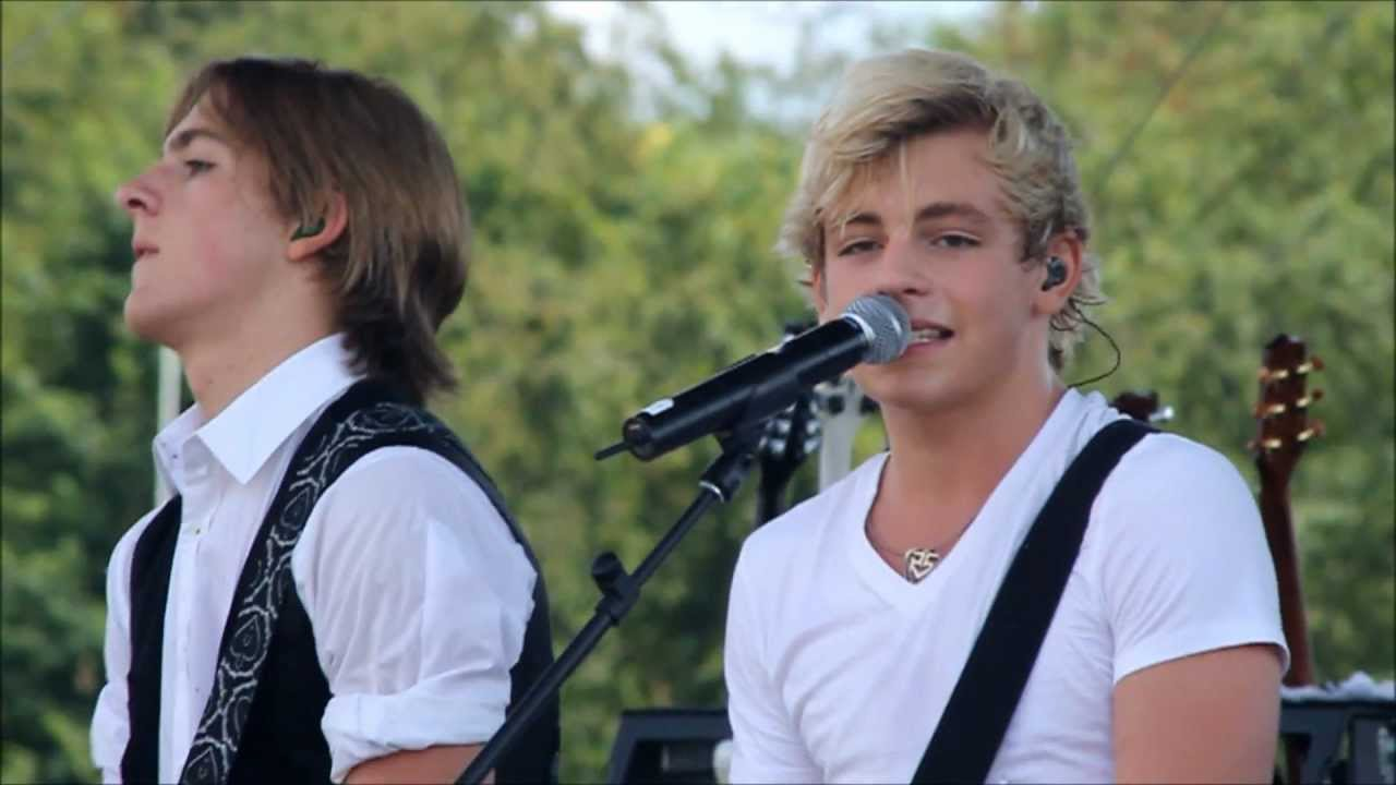 Ross Lynch Brother Ryland Ross Lynch  amp R5 in NJ What Do