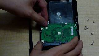 Seagate 7200.11  BSY error DIY fix for step.1_insert  plastic card