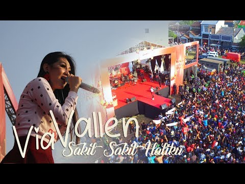 Download Lagu Via Vallen - Sakit Sakit Hatiku ll Live Kudus MP3 Free