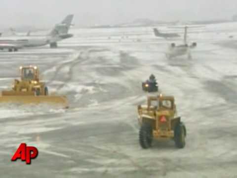 Winter Storm Barrels Into Northeast