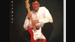 Watch Hank Marvin Mrs. Robinson video