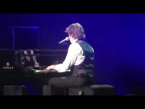 Paul McCartney - Nineteen Hundred and Eighty Five  live  Arena Phoenix 3-28-10