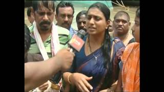 Rajamandry YSRCP MLA RK Roja takes Pushkara bath