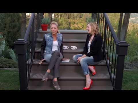 Talk Stoop featuring Elisabeth Moss
