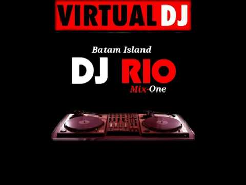 House music batam bergetar by dj rio