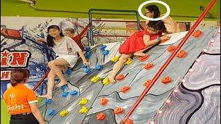 Mắc cười bé chơi trò chơi sasuke nhí leo lên không dám xuống