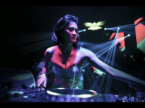 Romansa Dj Goyang Erotis video