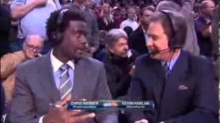 VIDEO- Basketball fan picks nose, winks at camera behind commentary team - 3 Sport