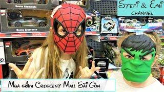 2 Bé gái tây đi Mua đồ chơi ở Siêu Thị Crescent Mall HCM | Family Vlog