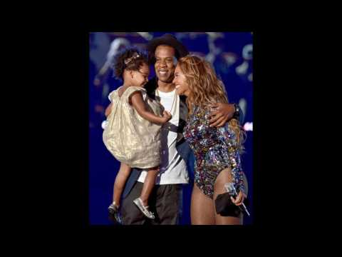 Beyonce celebrates motherhood with more pregnancy photos