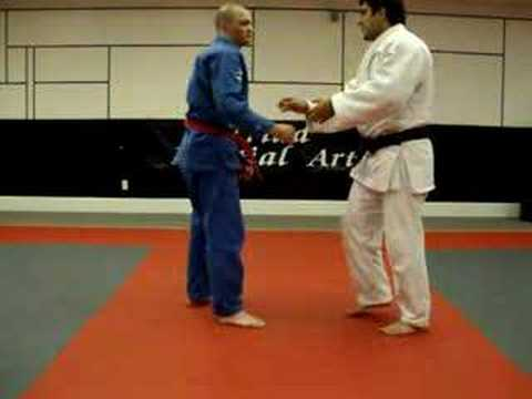 Judo: Ma Sutemi Waza: Sumi gaeshi: Corner reversal Image 1