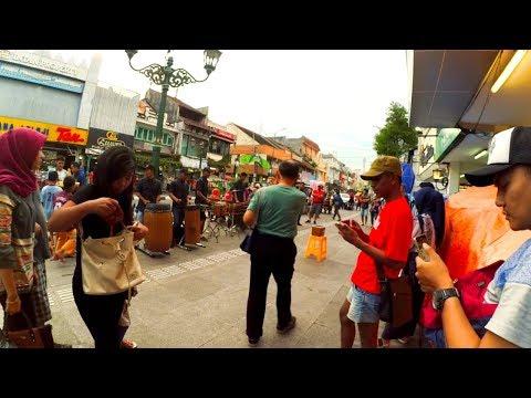 Kanggo Riko | Pengamen Angklung Jalanan Malioboro Yogyakarta