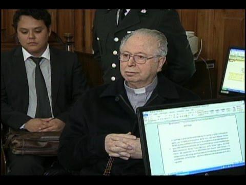 Las declaraciones de Karadima en contraste a las del Arzobispado