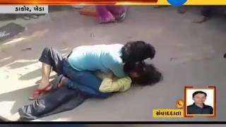 Kheda: Viral Video of Fight between two women in Dakor | Zee24Kalak