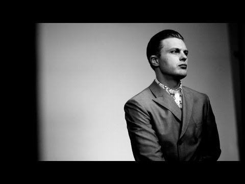 PRADA SPRING/SUMMER 2012 MEN'S ADVERTISING CAMPAIGN: BEHIND THE SCENES