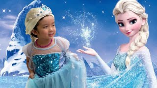 Pretend to have magic, Mrs.Duong turned Ruby into beautiful Elsa Snow Queen.