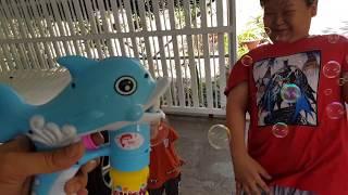 Bubble Gun Toy - Tin chơi súng bắn bong bóng   Đồ chơi trẻ em Kids Toy لعبة أطفال