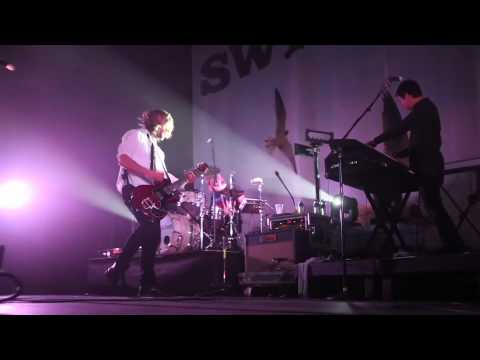"Switchfoot Covers Beastie Boys' ""Sabotage"""