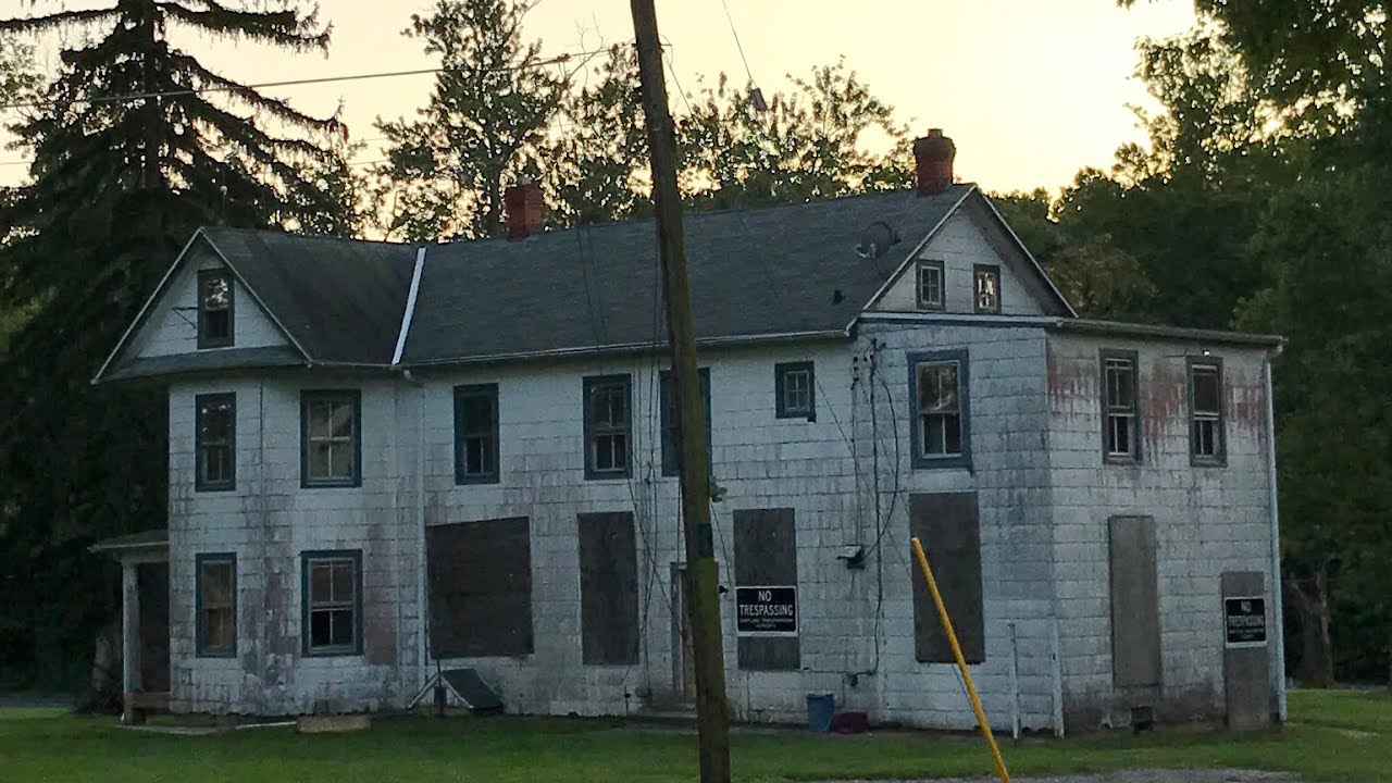 Huge Vintage ABANDONED HOUSE w/ Stuff Left Behind and Small Vacant Farm Tenant Houses