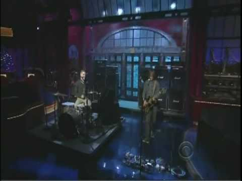 "No Age - ""Fever Dreaming"" on Late Show with David Letterman"