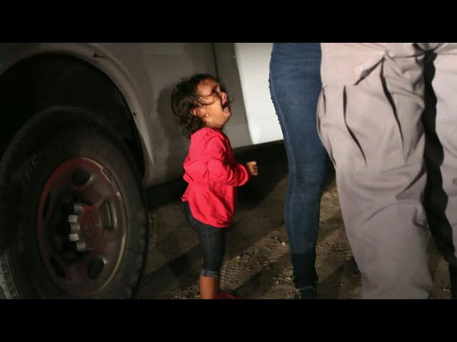 Girl in iconic immigration photo was not separated from mother