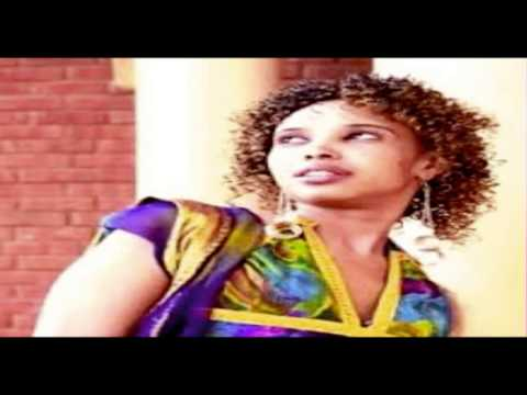 Sagal Arts iyo heestii macaned ee LOOLI somali music 2013 HD
