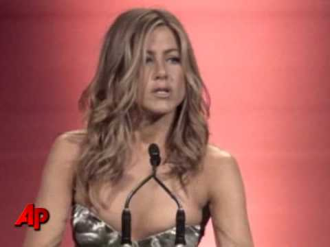 Jennifer Aniston Jokes About Her Love Life