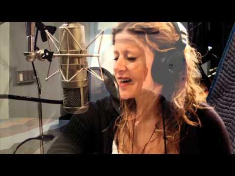 Jonathan Reid Gealts Debut Album Thirteen Stories Down Promo Vid (Feat. Caissie Levy)