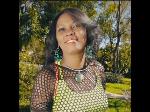 Soa - Naomi feat Baba [Best slow malagasy]