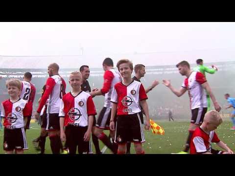 Feyenoord - Heracles | Opkomst spelers