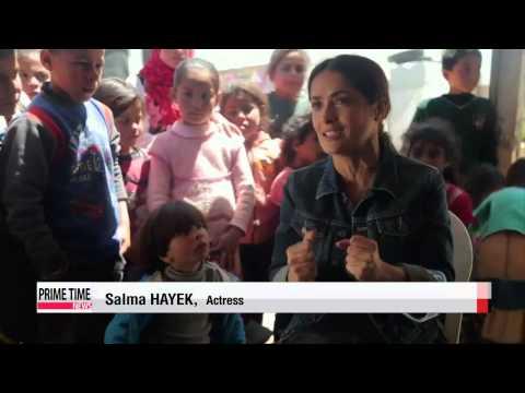 Salma Hayek meets Syrian refugees in Lebanon   배우 셀마 헤이엑, 레바논 수도 베이루트 레드카펫 행사에 참