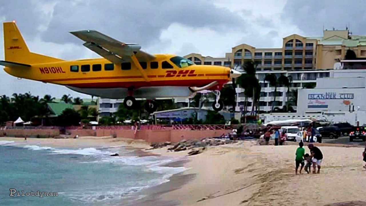 Crazy Airplane Landings Crazy Low Landing at st