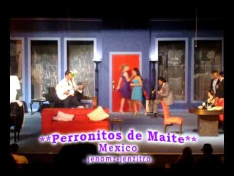 """Una probadita de Maite Perroni y Chantal Andere cantando Equivocada de Thalia en la obra teatral """"Cena de Matrimonios"""" 06-Mayo-2010."""