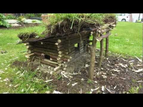 Construire une cabane en fuste miniature youtube for Construire une maison miniature
