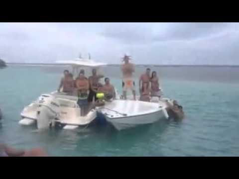 goa beach n Hot Girl Cleavage shows