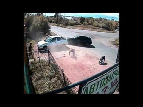 Motorbike crashes into car