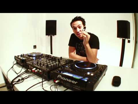 CDJ-2000 - Laidback Luke presents RekordBox dj software