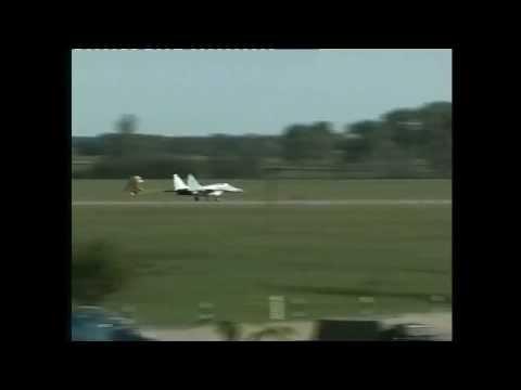 Украинский МиГ 29.Неудачная посадка на аеродроме