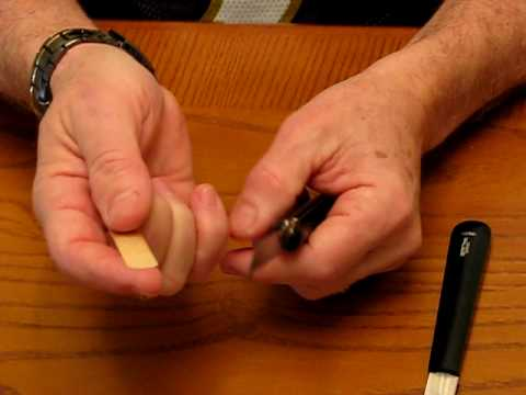 Using a clarinet reed knife