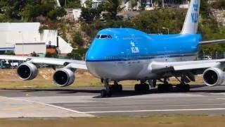 Last ever 747 takeoff from St Maarten