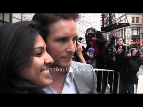 Peter Facinelli & Jaimie Alexander - Signing Autographs at 'Pain & Gain' Premiere in NYC