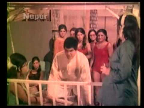 Watch Hamre Desh Mein Kehte The - Jeetendra - Rekha - Ek Bechara - Bollywood Songs - Mukesh