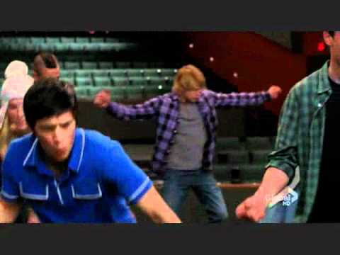 Glee : Season 2 Episode 18 Finn Breaks Rachels Nose video