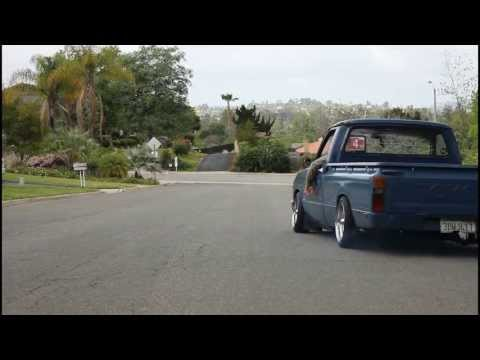 Slammed 79' Toyota Hilux Mini Truck