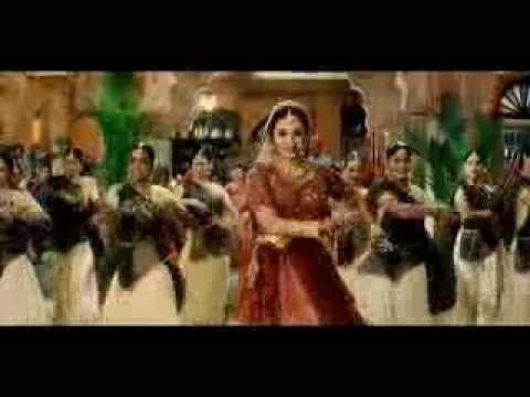 Maiyya Yashoda - Hum Saath Saath Hain