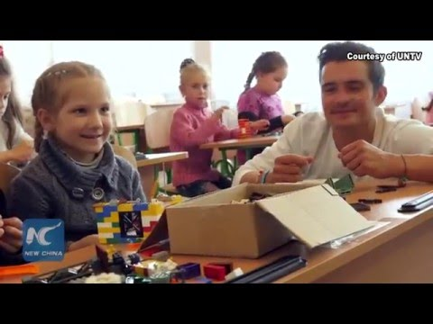 Orlando Bloom visits crisis-hit eastern Ukraine