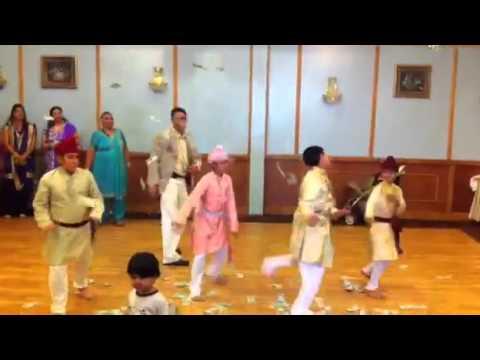 Kids dance kithe chali hain morni bankr