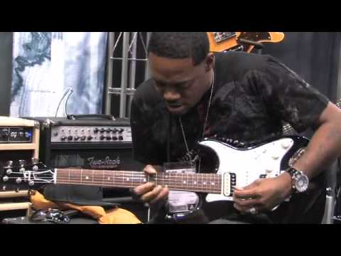 Eric Gales playing