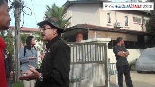 Protes aman oleh bekas tentera di depan rumah Datuk Ambiga